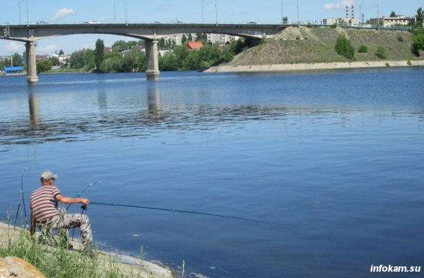 На берегу Камышинки до сих пор можно встретить рыбаков