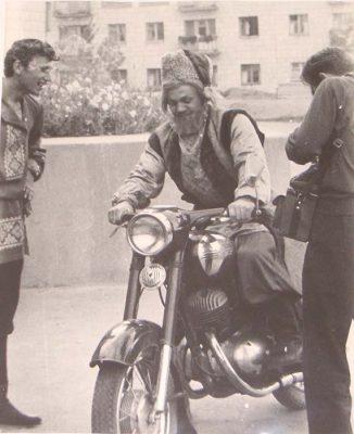 Степан Разин на мотоцикле. 1968 год. Фото Юрия Кучеренко