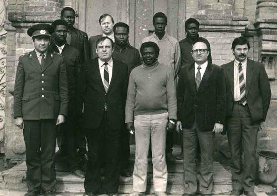 Встреча делегации МВД Республики Конго в Камышине (Е.А. Самохин в верхнем ряду)