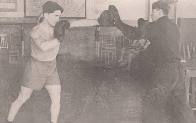 Тренировка боксеров (Николай Иванович Маслов - справа)