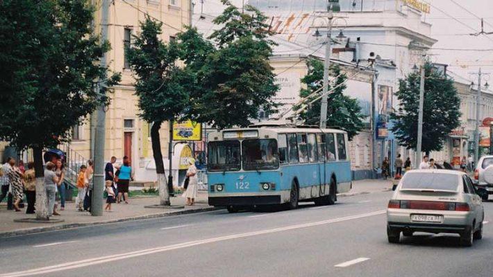 Троллейбус «ЗиУ-682В» № 200 был поставлен в декабре 1991 года в Камышин и перенаправлен во Владимир. (19.08.2008 г., г. Владимир, перед списанием). Автор Константин Федоренко
