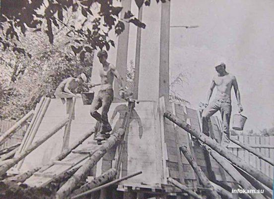 Строительство памятника Комсомольцам-добровольцам