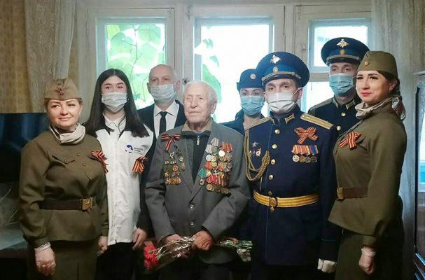 У Борис Петровича Рогулина (фото на память, автор Пётр Баранов)