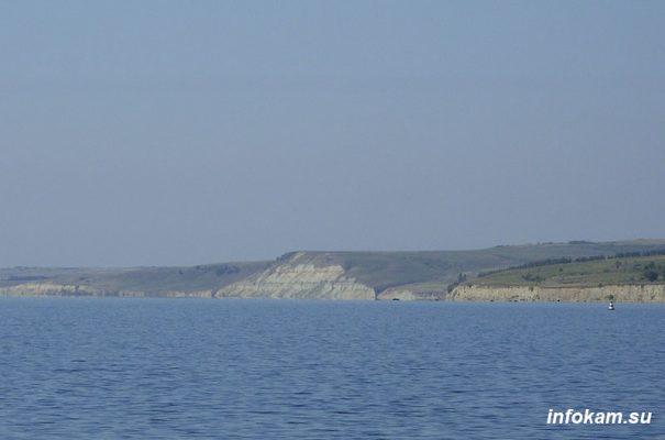 Волга в Камышинском районе — между Камышином и Антиповкой