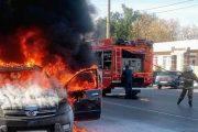 Ликвидация возгорания иномарки в Камышине (ГУ МЧС по Волгоградской области)