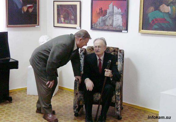 Художники Павел Бутяев и Михаил Александрин на выставке М. Александрина