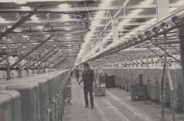 В цехе Камышинского хлопчатобумажного комбината (1969 год)