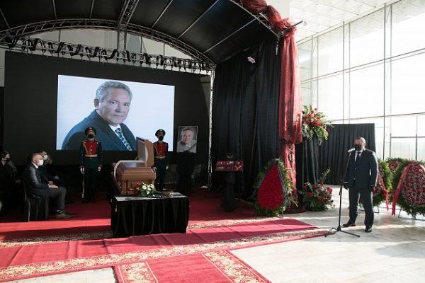 На церемонии прощания (пресс-служба администрации Волгоградской области)