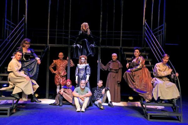 Одна из ожидаемых премьер: спектакль «Из путешествий Фауста»