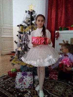 Валерия Нурумова (костюм «Снежинка»)