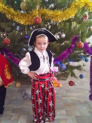 Артём Наплавков (костюм «Пират»)