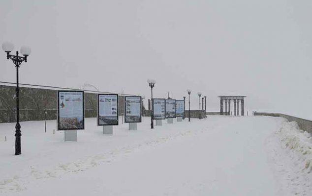 Ситиформаты на набережной (фото Юлии Карпенко)