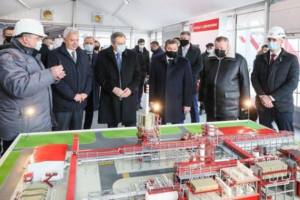 На презентации нового комплекса (пресс-слежба администрации Волгоградской области)