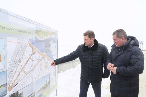 Андрей Бочаров и Станислав Зинченко (пресс-служба администрации Волгоградской области)