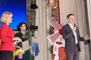 Алексей Волоцков на сцене ДК в Петровом Вале (страница ВКонтакте депутата Облдумы А. Волоцкова)