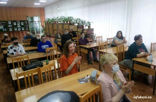 Отборочный тур чемпионата по чтению вслух «Открой Рот» в Камышине (фото Пётр Баранов)