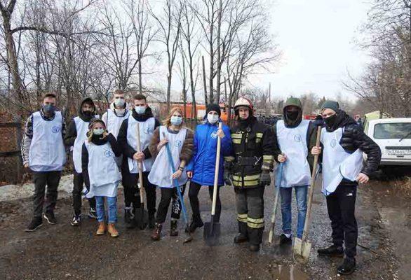 Экологический отряд волонтеров «ЭкоЛогика» (Центр «Планета молодых»)