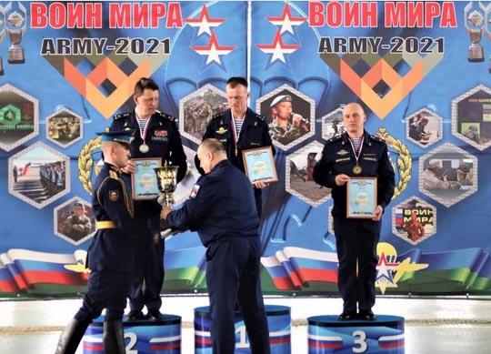 Церемония награждения (фото пресс-служба минобороны)