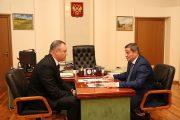 На встрече Андрея Бочарова и Андрея Косолапова (пресс-служба администрации Волгоградской области)