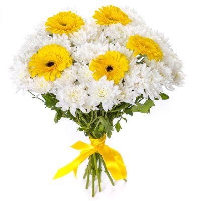 Букет из белых хризантем и гербер