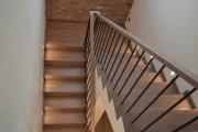 дубовая лестница по дизайн-проекту