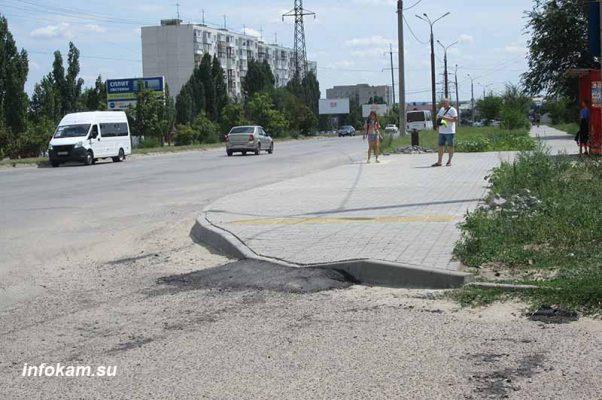 Улица Базарова. Решение проблемы недоступности заезда на тротуар