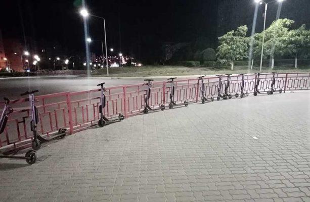 Прокат электросамокатов на улице Ленина (фото группа «Подсмотрено. Камышин»)