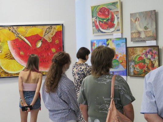 На открытии выставки (фото Камышинский историко-краеведческий музей)
