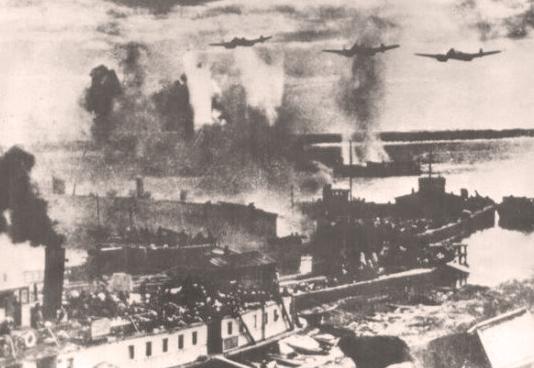 Горящая Волга у Сталинграда